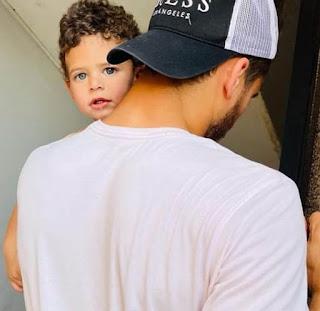 رمضان صبحي لاعب نادى براميدز مع ابنه زين