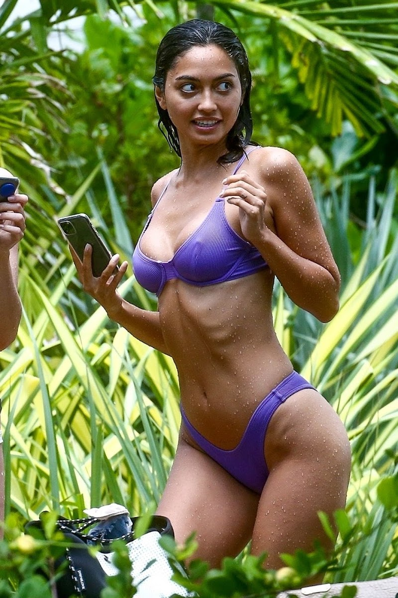 Ambra Gutierrez Clicked in Purple Bikini – Miami 11 Jun-2020