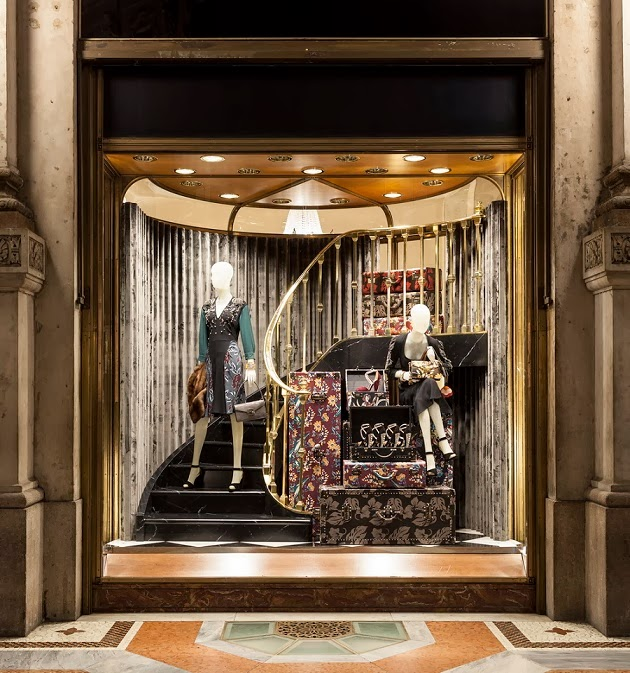 mylifestylenews: PRADA 2013 Christmas Window Display