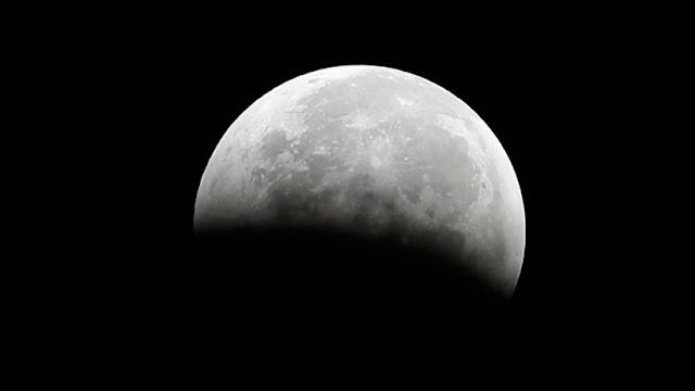 """La """"cara"""" más oculta de la Luna: Un análisis de las pruebas traídas hace 45 años sorprende a la NASA"""