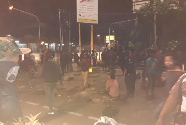 """Kenapa Polisi Nembakin, Kami bukan Pembunuh Seperti PKI"""
