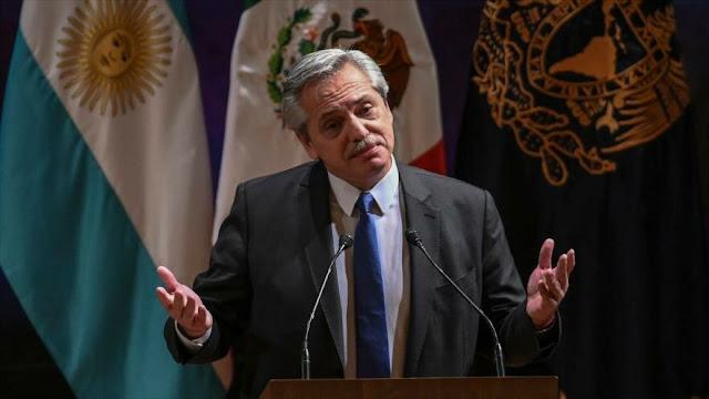 Giro en Argentina, Fernández pide solución política para Venezuela