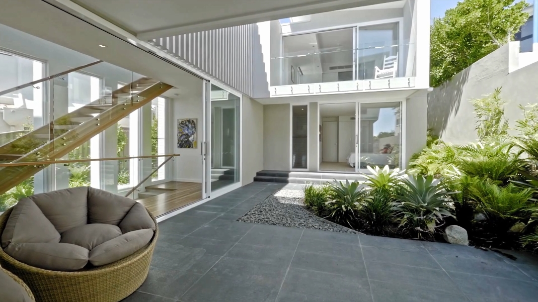 26 Interior Design Photos vs. 29 Mcanally Dr, Sunshine Beach, QLD, Australia Luxury Home Tour