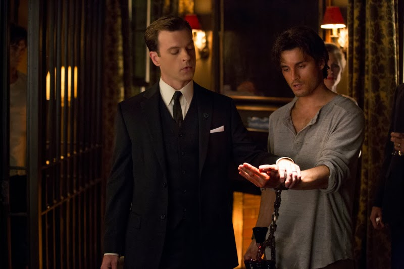Channel 131 vampire diaries season 5 episode 5 - Film noir death scene