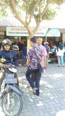 Proses Ganti TNKB dan Pajak 5 Tahunan di Samsat Bersama Gresik