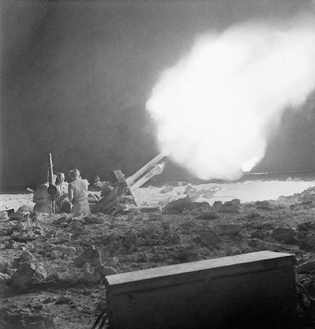 British 25-pounder firing, 2 June 1942 worldwartwo.filminspector.com