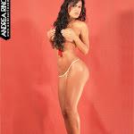 Andrea Rincon, Selena Spice Galeria 40 : Mis Primeras Fotos, Bikini Dorado – AndreaRincon.com Foto 5