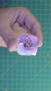 hướng dẫn cách gấp hoa bằng tiền giấy Hoa hồng mini