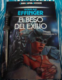 Portada del libro El beso del exilio, de George Alec Effinger
