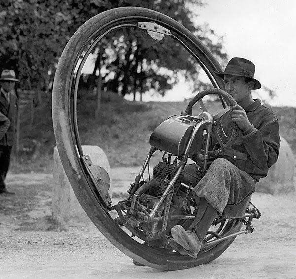 One+Wheel+Motorcycle.jpg