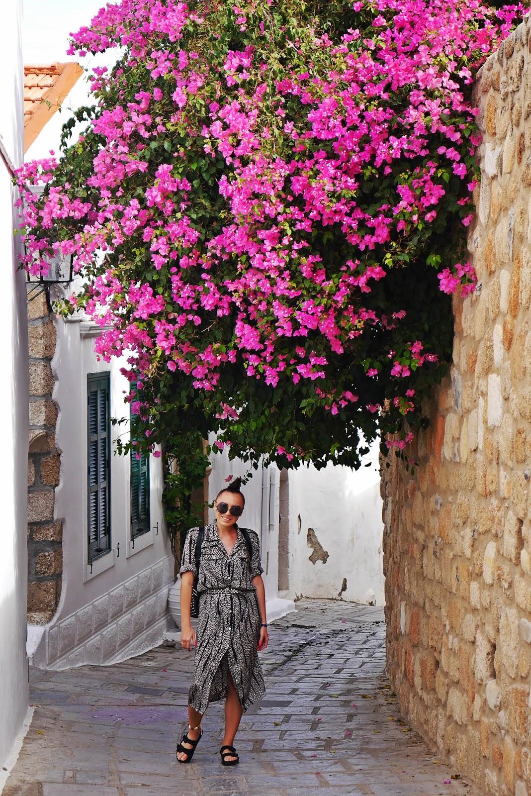 lindos miasto rhodes rodos grecja  karyn blog modowy blogerka modowa podróż poślubna grecja