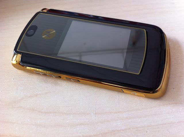 Motorola V8 Luxury Edition 2