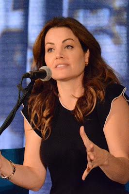 Erica Durance (Lois Lane)