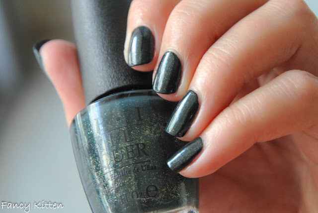 OPI - Live and Let Die swatch