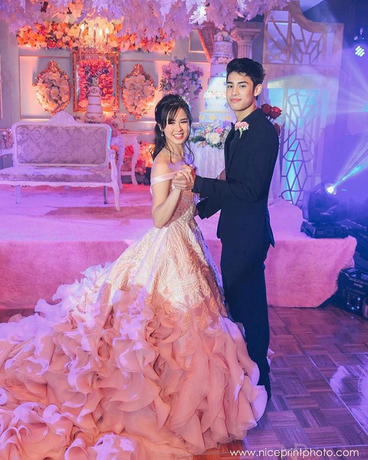 Photos Kisses Delavin S Princess Themed 18th Birthday