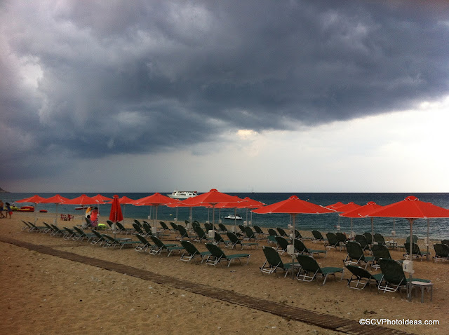 Dark gray clouds overcasting Skala-beach I