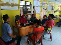 Tunjukkan Kebersamaan, Babinsa Koramil 09/TB Komsos Dengan Staf Kelurahan Matahalasan