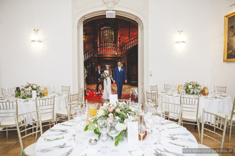 Polsko francuski ślub, Dekoracje kwiatowe sali na wesele, Śluby międzynarodowe, Polsko Francuskie wesele, Ślub Cywilny w plenerze, Ślub w stylu francuskim, Romantyczny ślub, Wesele w Pałacu Goetz, Blog o ślubach, Najpiękniejsze śluby w Polsce