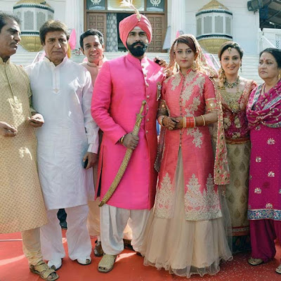 Raj-babbar-aarya-babbar-wedding-candid-photos