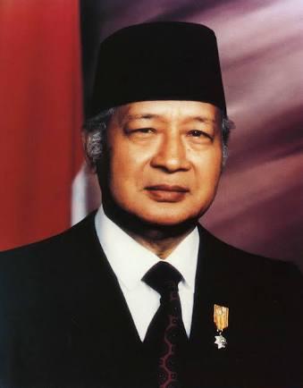 Biografi singkat Presiden kedua RI ( Jendral Purnawirawan H.M.Soeharto )