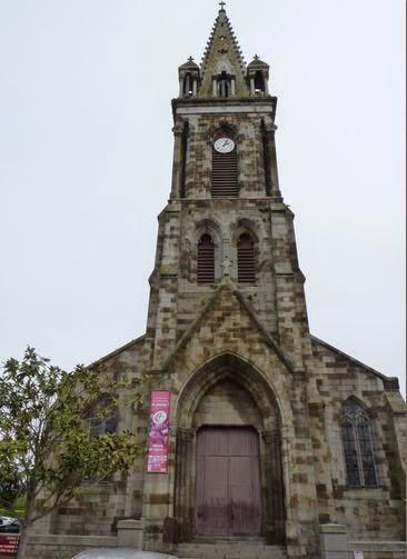 Iglesia de Combourg.