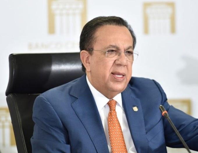 Presidente electo Luis Abinader ratifica al gobernador del Banco Central Héctor Valdez Albizu