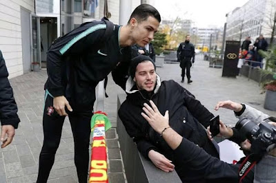 #Cristiano #Ronaldo with fans in Luxembourg today.👏...#cr7...