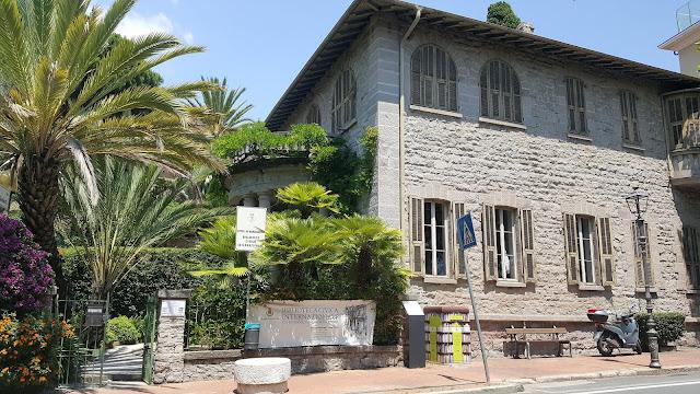 Biblioteca civica internazionale
