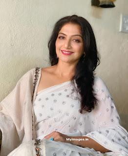 Indian bhabhi hot wallpaper download Navel Queens