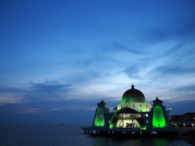 Die schwimmende Moschee Malakka