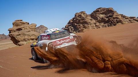 Dakar: a pihenőnap előtti szakaszon csaptak össze a bajnokok a sivatagban