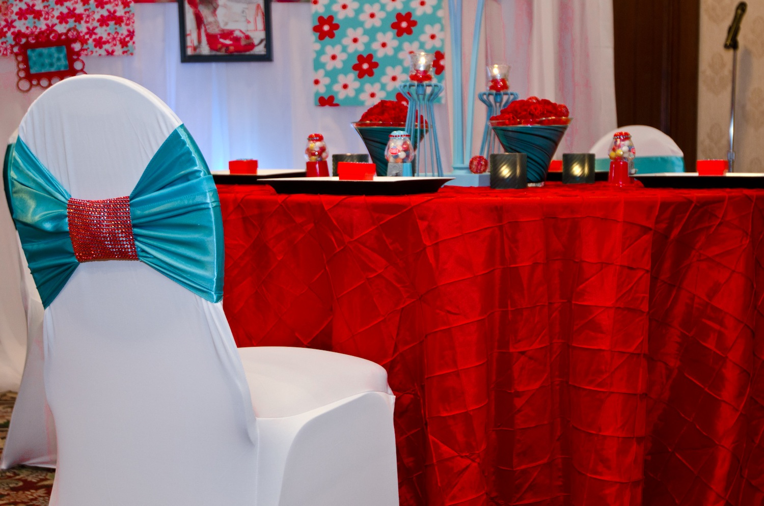 Turquoise And Red Wedding | Midway Media