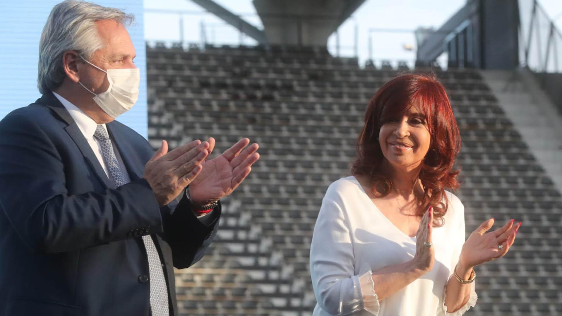 """Alberto Fernández: """"Yo sólo tengo gratitud y reconocimiento para cada ministro y funcionario mío"""""""