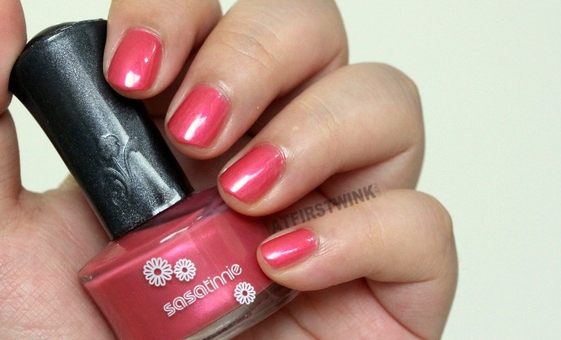 Sasa sasatinnie nail polish swatch bright metallic pink whole hand