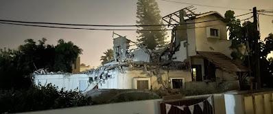 Éjjel három óra: kis éji zene • Koncentrált rakétatámadás Beer Séva ellen • Két halott Loddon • Légiriadó Tel Avivban