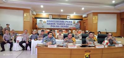 Kapolda Jambi Bersama Wakapolda Pimpin Langsung Kegiatan Konfrensi Pers Akhir Tahun 2019 Polda Jambi