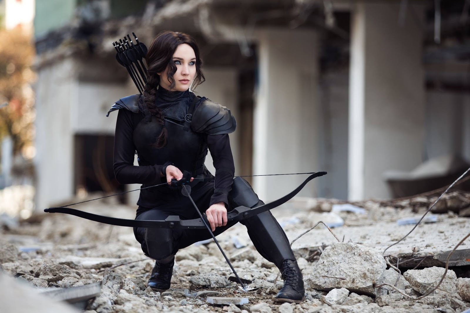 """the hunger games katniss theme essay """"let the hunger games begin"""" the hunger games is a fictional novel that narrates the life of katniss everdeen, a 16-year-old girl, who by fate was trapped in a game of life and death, developed in a post-apocalyptic era, in a country named panem, which."""