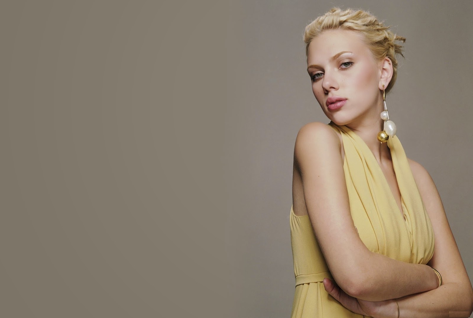 Scarlett Johansson Wallpaper: Scarlett Johansson Profile And New Hd Wallpapers 2013-14