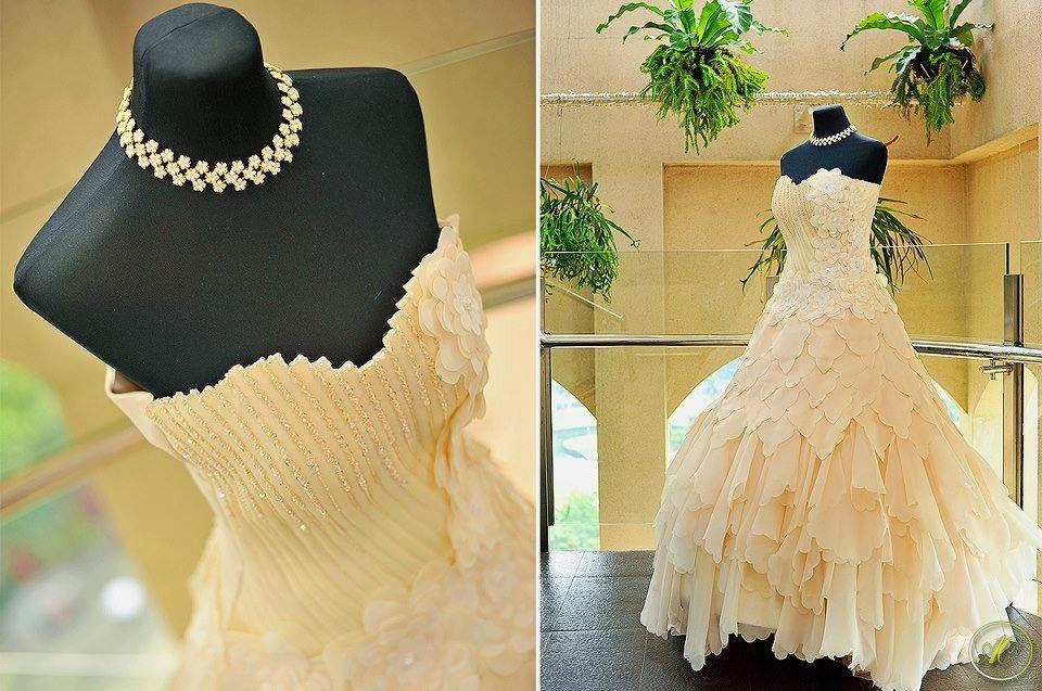 Wedding dress mall wedding for Wedding dresses mall of america