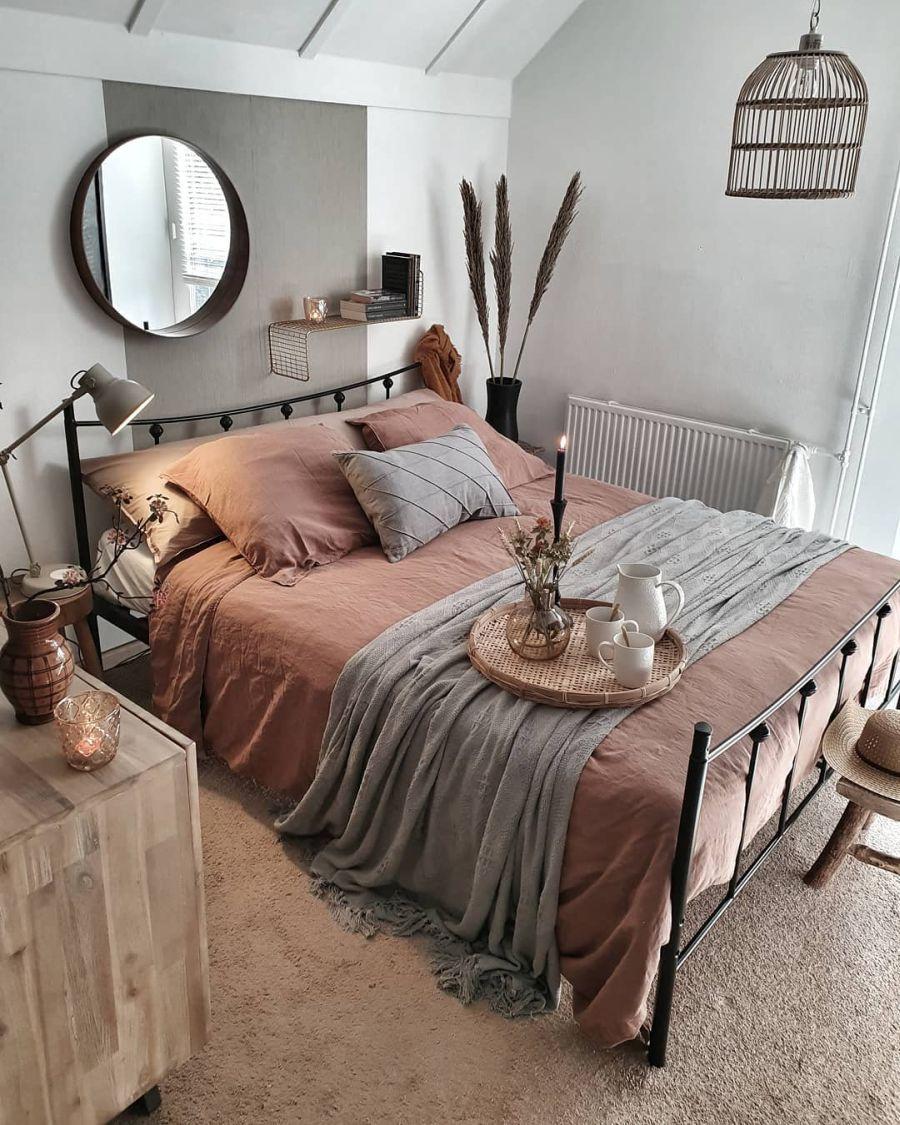 Aranżacja w indywidualnym stylu, wystrój wnętrz, wnętrza, urządzanie domu, dekoracje wnętrz, aranżacja wnętrz, inspiracje wnętrz,interior design , dom i wnętrze, aranżacja mieszkania, modne wnętrza, styl loftowy, loft, styl skandynawski, Scandinavian style, styl industrialny, industrial style, vintage, sypialnia, bedroom,