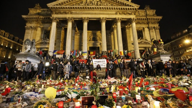 Το Βέλγιο ανακαλεί την άδεια παραμονής του ιμάμη των Βρυξελλών