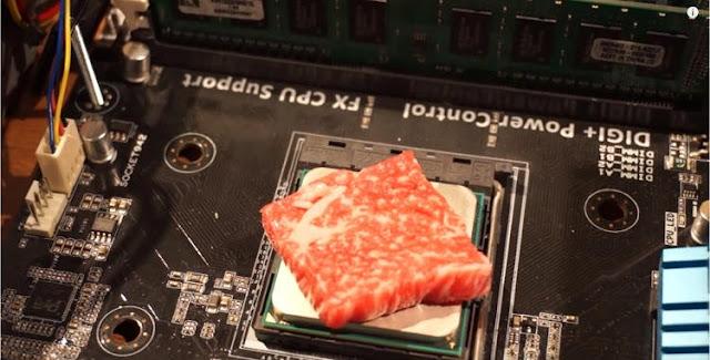 Kelewat Kreatif, YouTuber Jepang Ini Gunakan CPU Komputer untuk Masak Aneka Makanan