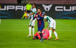 Messi two goals moves him ahead of Suarez in La Liga's top scorer in Barcelona 3-0 win over Elche