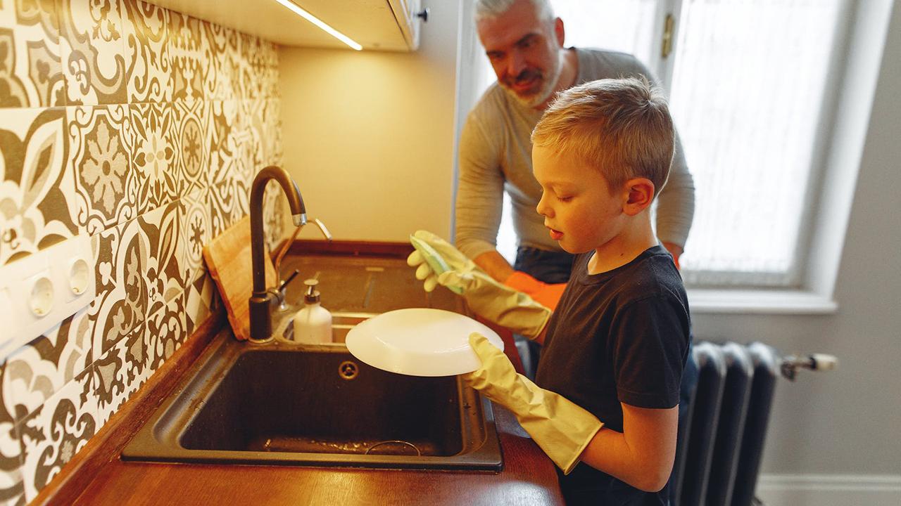 7 Cara yang Dapat Dilakukan Orangtua dalam Mengajarkan Sikap Kedisiplinan pada Anak
