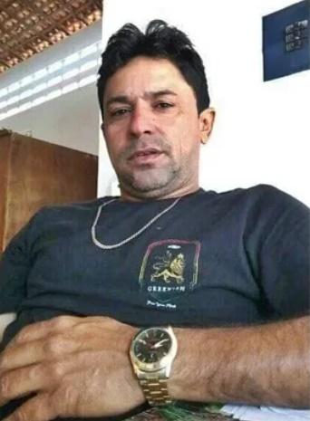Biólogo de 39 anos morre após colidir moto com vaca no litoral do Piauí