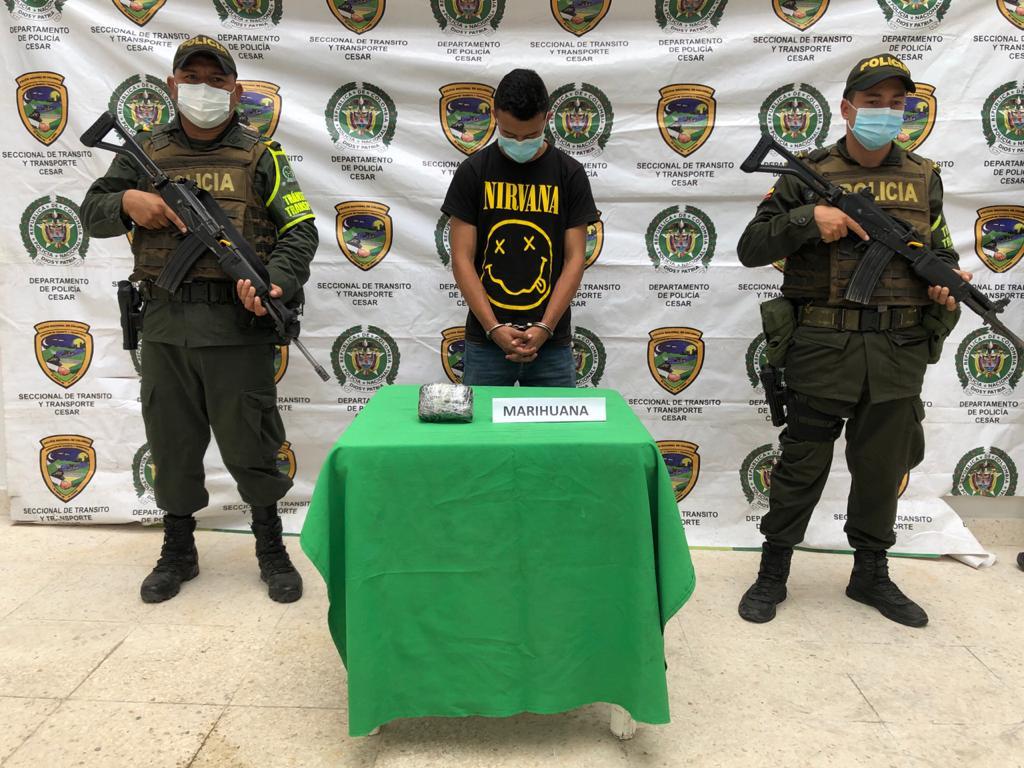 https://www.notasrosas.com/Policía Nacional captura hombre con trescientas dosis de marihuana en  el Cesar