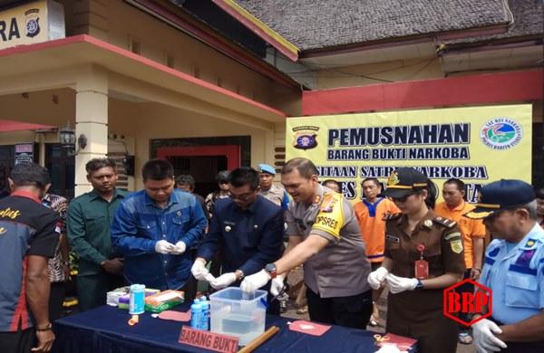 Polres Barito Utara Musnahkan 5,70 Gram Sabu