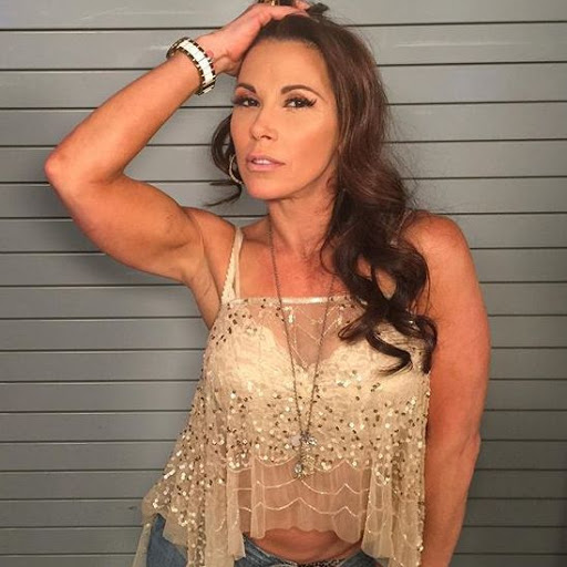 Mickie James Confirms Injury, Surgery Required