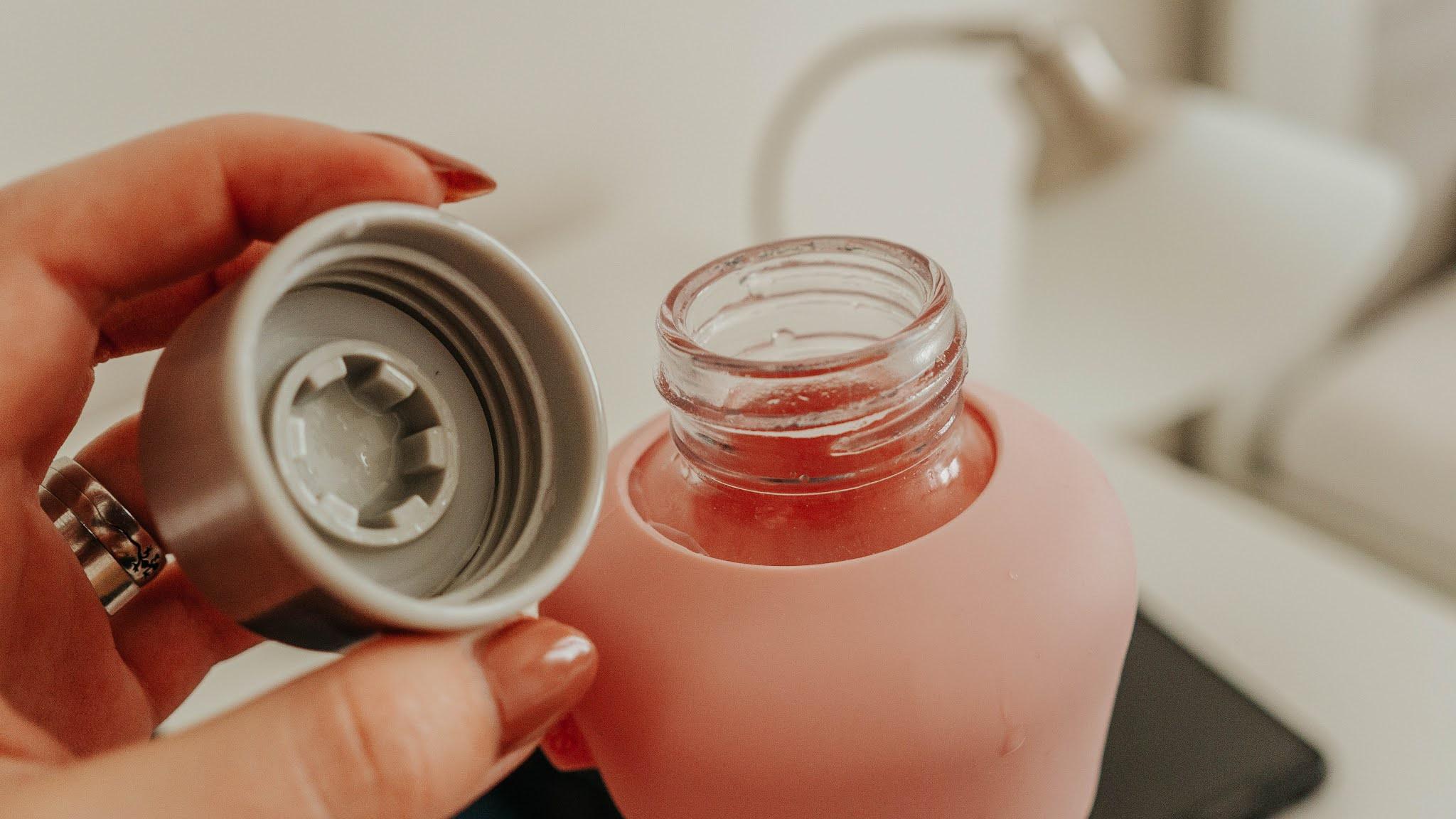 Equa Skleněná lahev Active růžová víčko