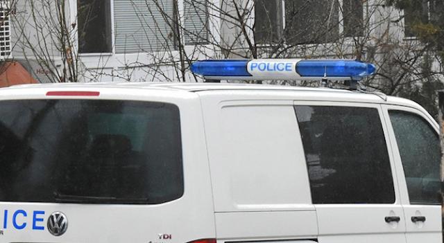 Драма в Бургас: 71-годишен се простреля и задуши в колата си